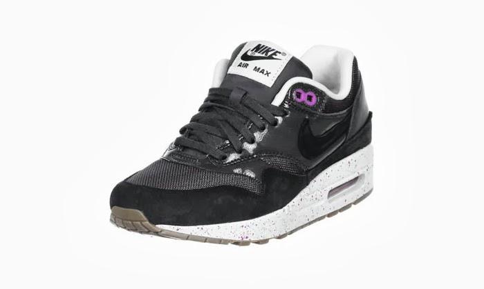Nike hunt INSOMNIA