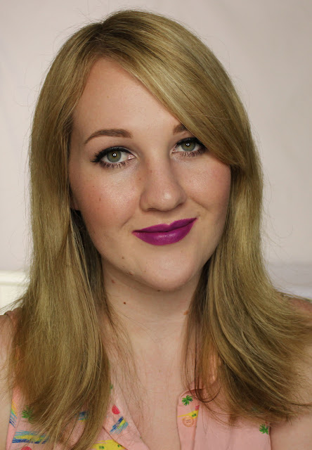 LA Girl Matte Flat Velvet Lipstick - Love Triangle Swatches & Review