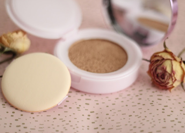 photo-loreal-paris-nude-magique-cushion-maquillaje-tap-tap