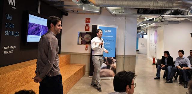 Carlos López Sobrino y Germán Cabrera Martínez contando su proyecto.