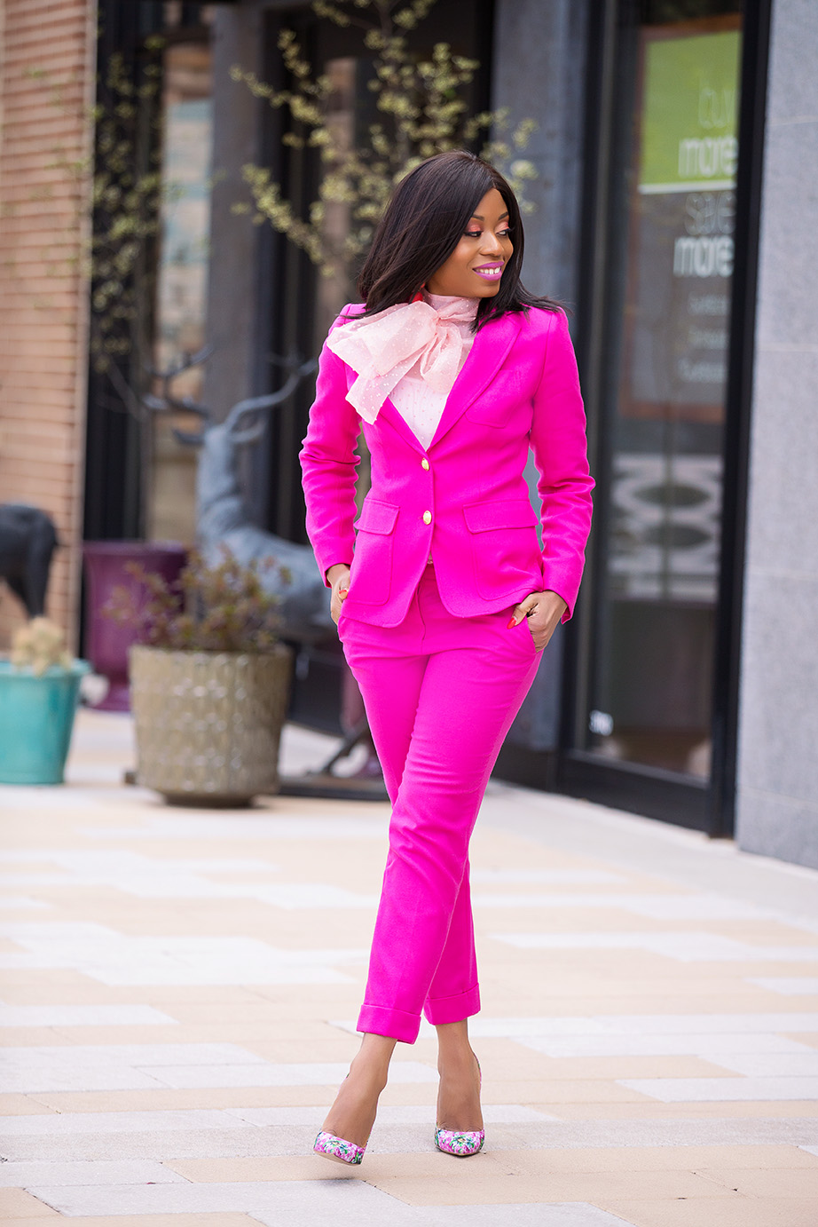 Pink suit and chicwish bow blouse, www.jadore-fashion.com