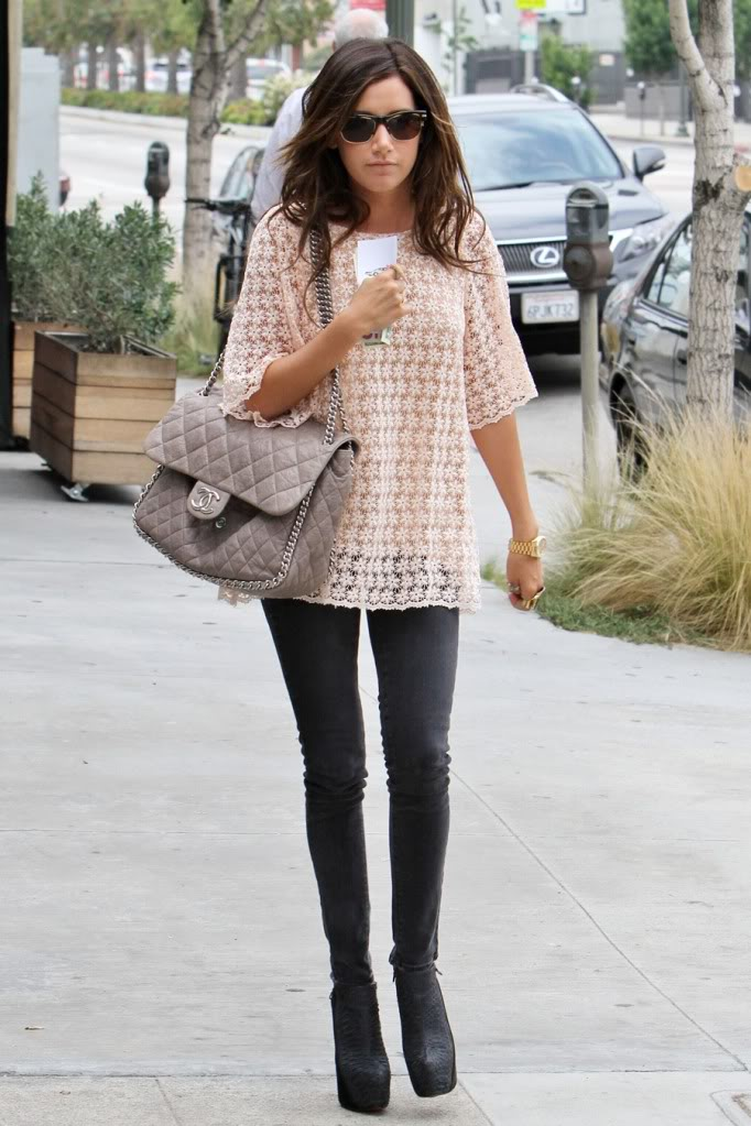 Ashley Tisdale Fashion - thats random beauty