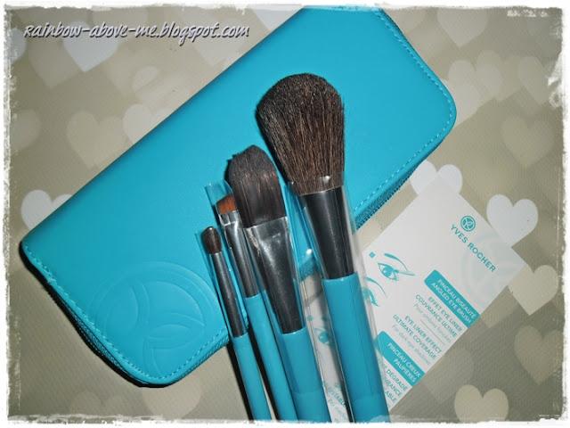 perfumy Voile D'Ambre, zestaw pędzli do makijażu, niebieska kosmetyczka, turkusowa torba na lato