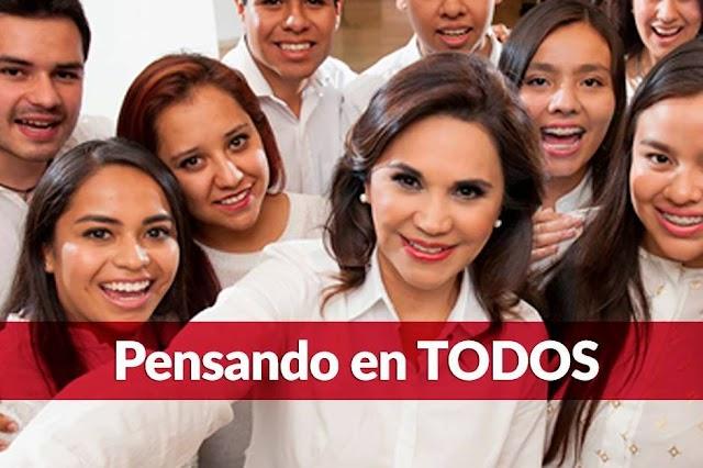 Recibe reconocimiento Blanca Alcalá de la CNC