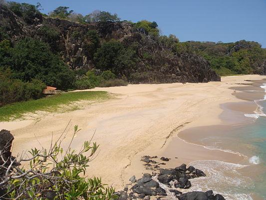 praia bode noronha