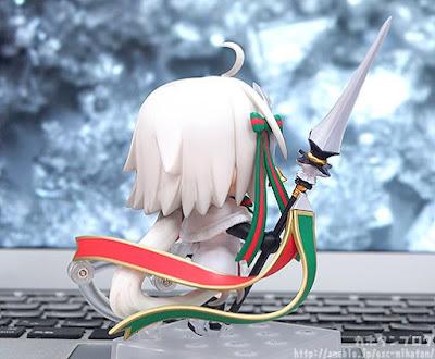 "Nendoroid Jeanne D'Arc (Alter) Santa Lily ver. de ""Fate/Grand Order"" - Good Smile Company"