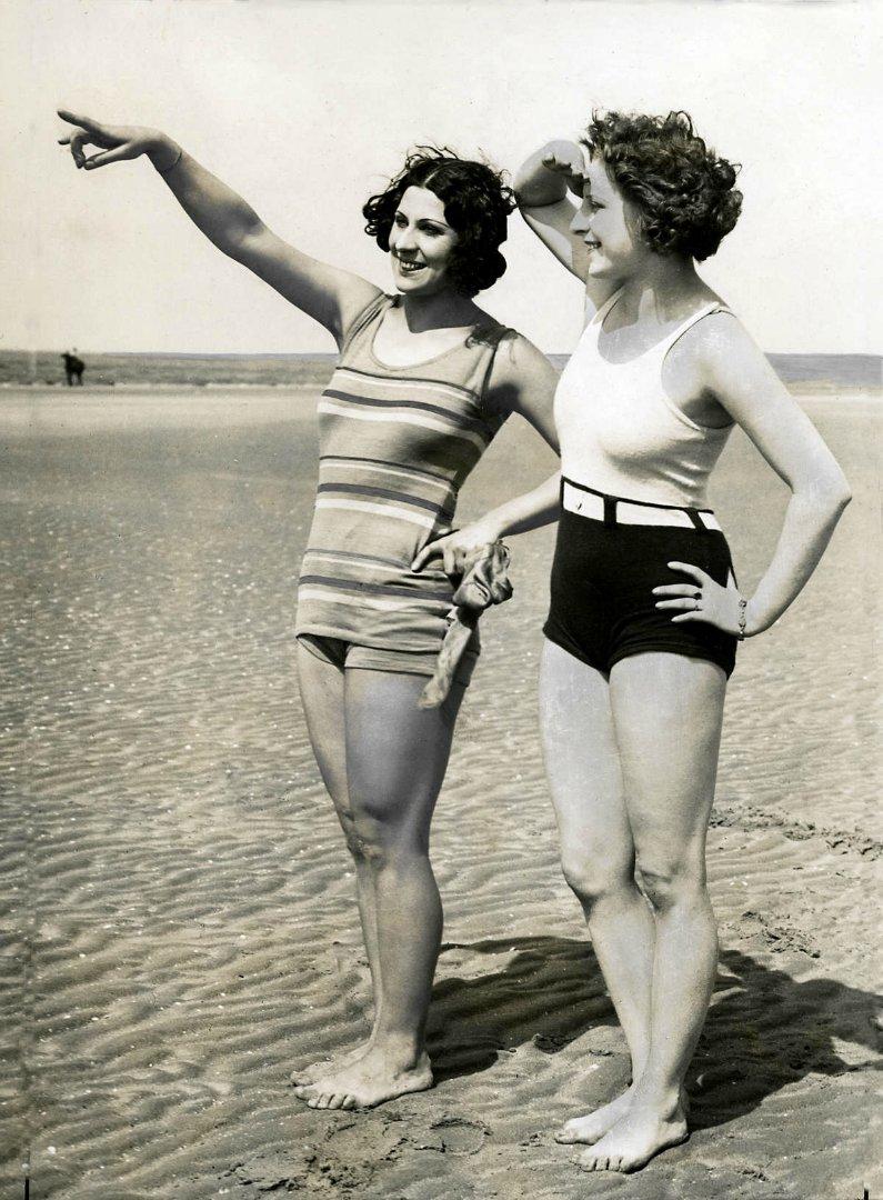 33 Interesting Vintage Photographs Capture Womens