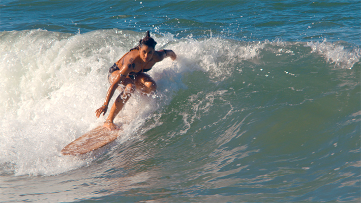 Clima de verão, praia e muito surf: Juacas é a nova série do Disney Channel que você vai amar - Marina Werneck