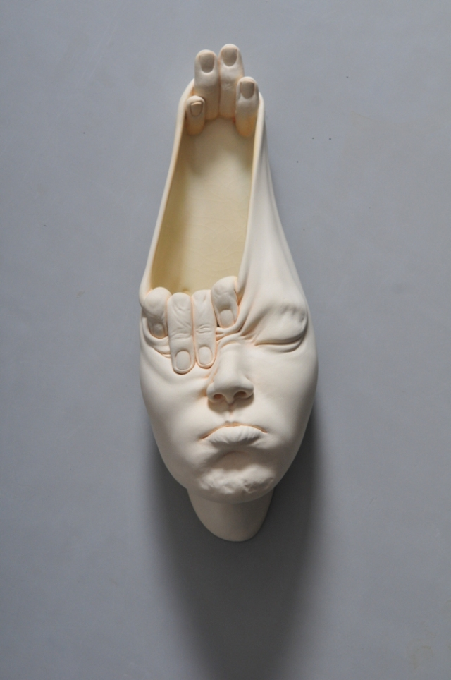 04-Johnson-Tsang-Ceramic-and-Porcelain-Faces-with-Multiple-Expressions-www-designstack-co