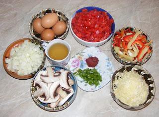 preparare saksuka, retete cu rosii ceapa ciuperci ardei si oua, retete culinare,