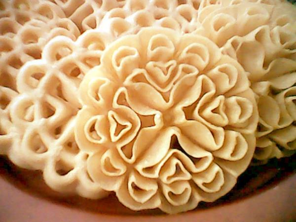 Cara membuat kue kembang goyang gurih dan renyah