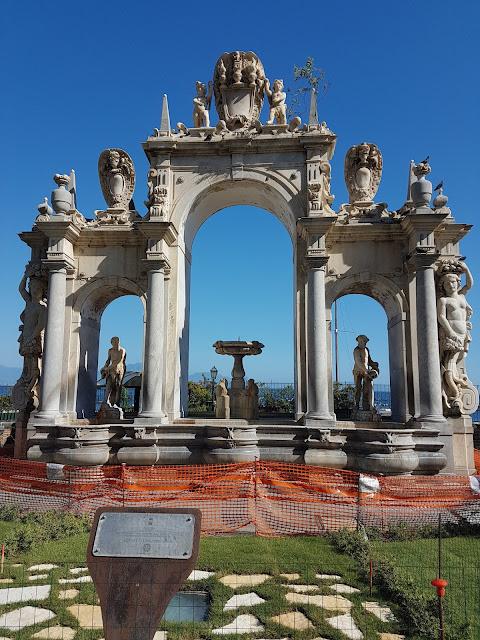 Fontana de Imaculada Napoli