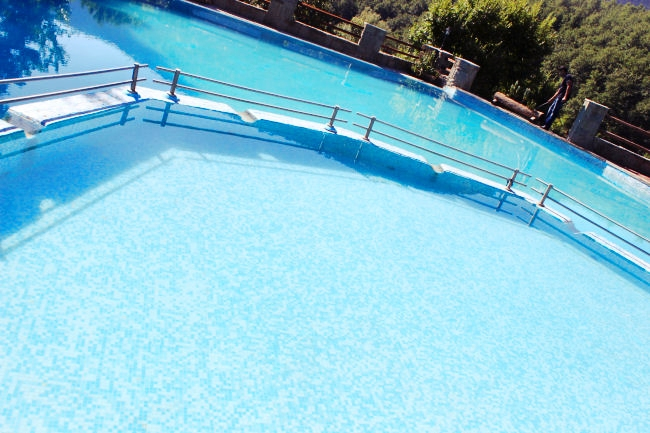 central Greece hotels with pools