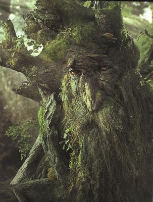 森の妖精が現れた?木の巨人、エントに見える木。4枚【n】