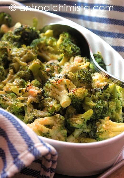 Broccoli Gratinati con Acciughe e Fontina