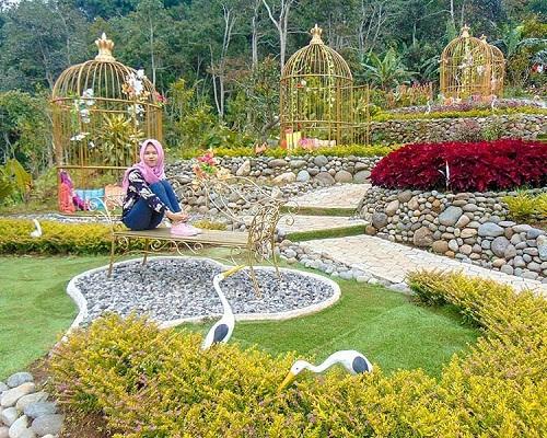 spot foto taman bunga di king garden semarang