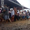 Warga Kebanjiran Bersamaan Pencoblosan Pilkades Berlangsung