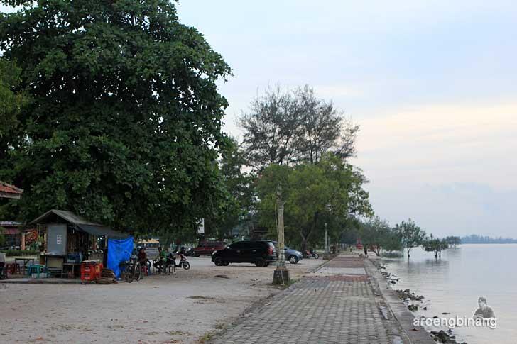 pantai tanjung pendam belitung