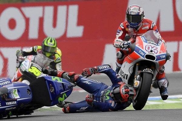 MotoGP 2017 : Alami crash dan tak finish di Assen, Vinales kurang cocok dengan chasis Yamaha M1 versi 2017 ?