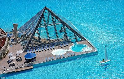 kuku kata: kolam renang terbesar dan terdalam di dunia