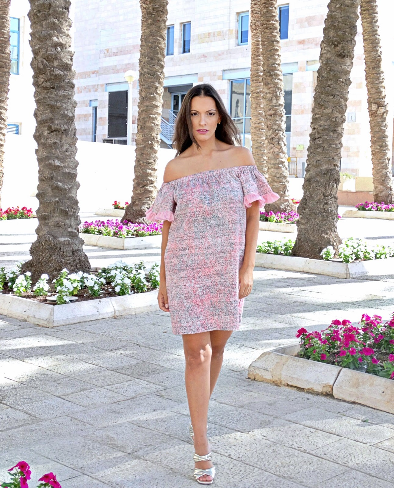 שמלה ורודה של לירון יצחקוב לעדיקה