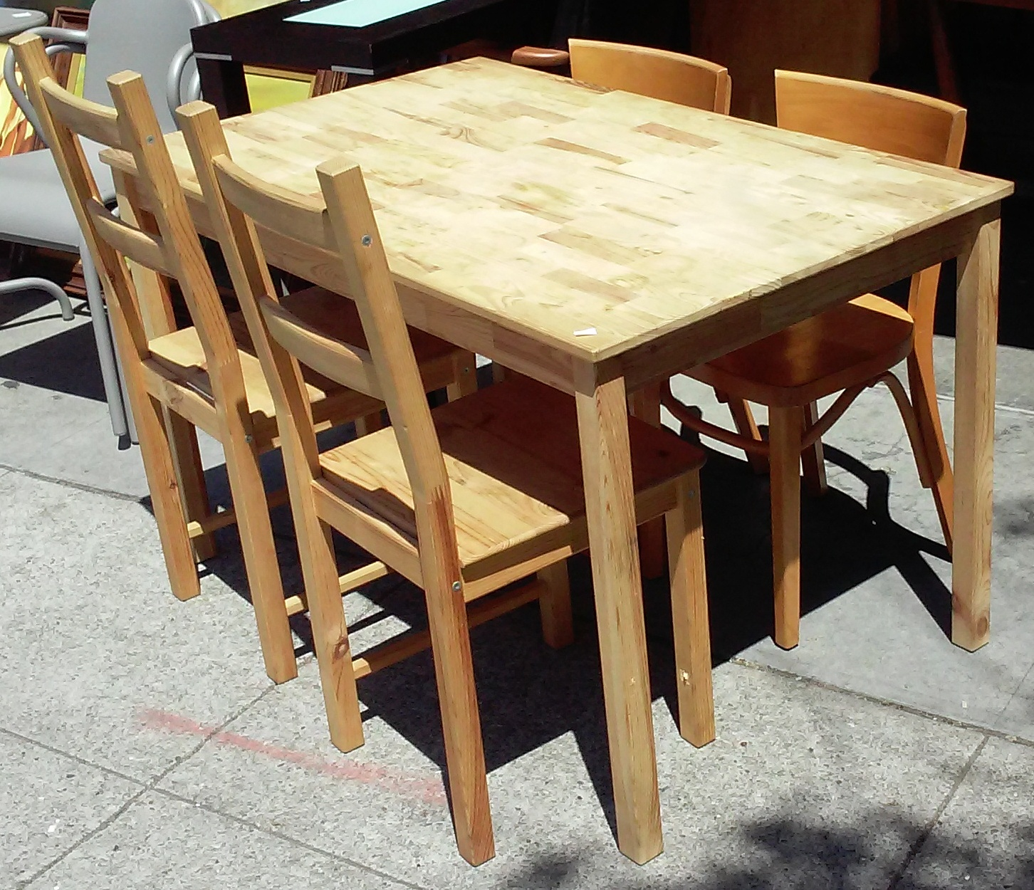 SOLD #2328 Mad Hatter Dinette Table 4 chairs - $60 / Set & UHURU FURNITURE u0026 COLLECTIBLES: SOLD #2328 Mad Hatter Dinette: Table ...