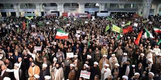 "Aksi Protes terhadap Khamenei Meluas, Ada Slogan ""Matilah Diktator"""