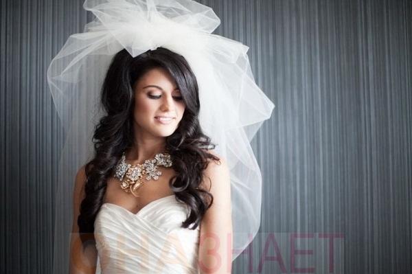 Свадебная прическа с бантиками