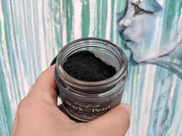 Living Earth Black Pearl Teeth Whitening Powder