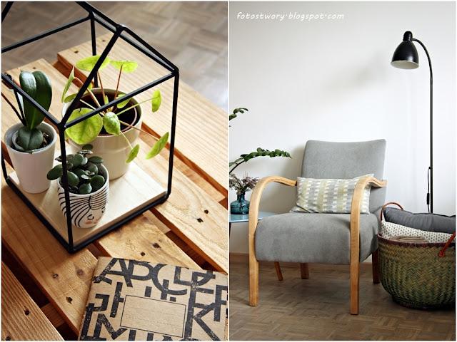 fotel po renowacji, kwietnik, stolik z palet, kosz, biała podłoga