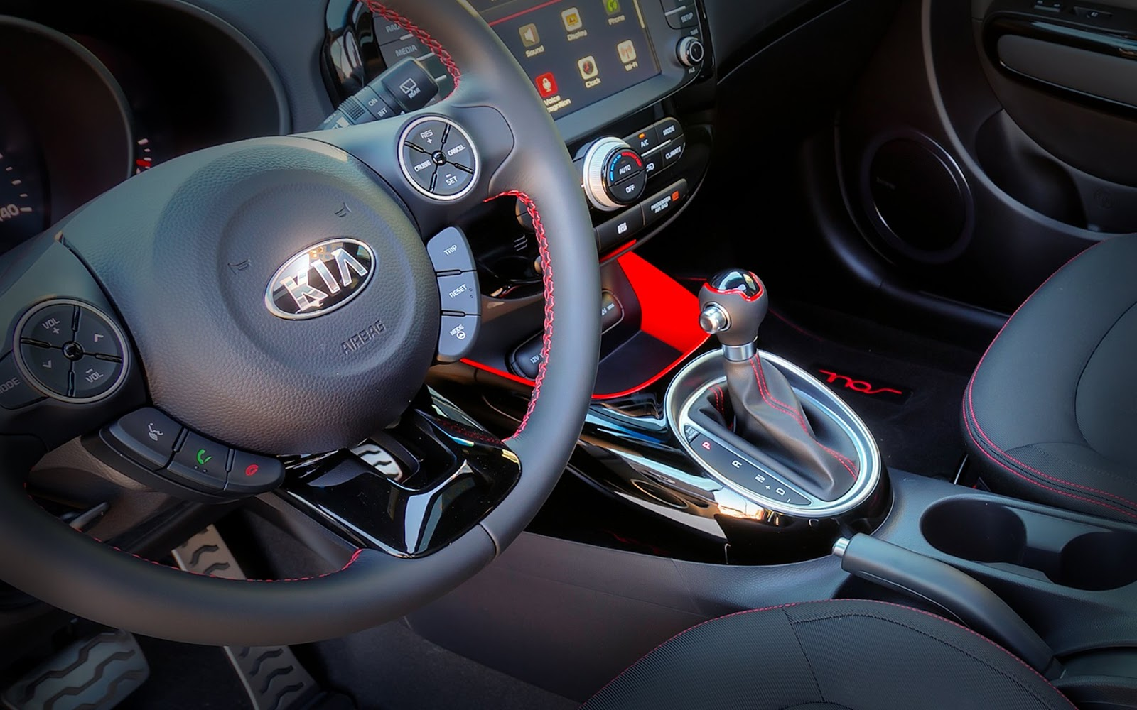 Limited edition 2015 Kia Soul Special Edition Red Zone review with