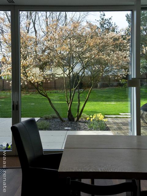 gartenblog zu gartenplanung gartendesign und gartengestaltung garten modern. Black Bedroom Furniture Sets. Home Design Ideas