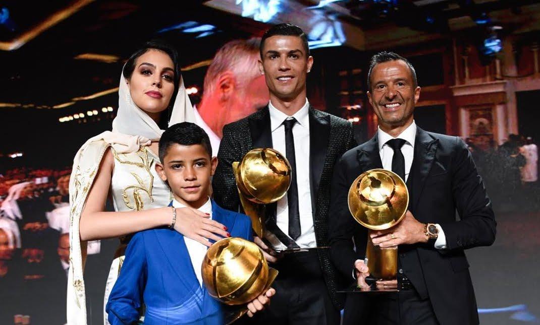 CR7 Cristiano Ronaldo stravince al Globe Soccer Awards di Dubai.