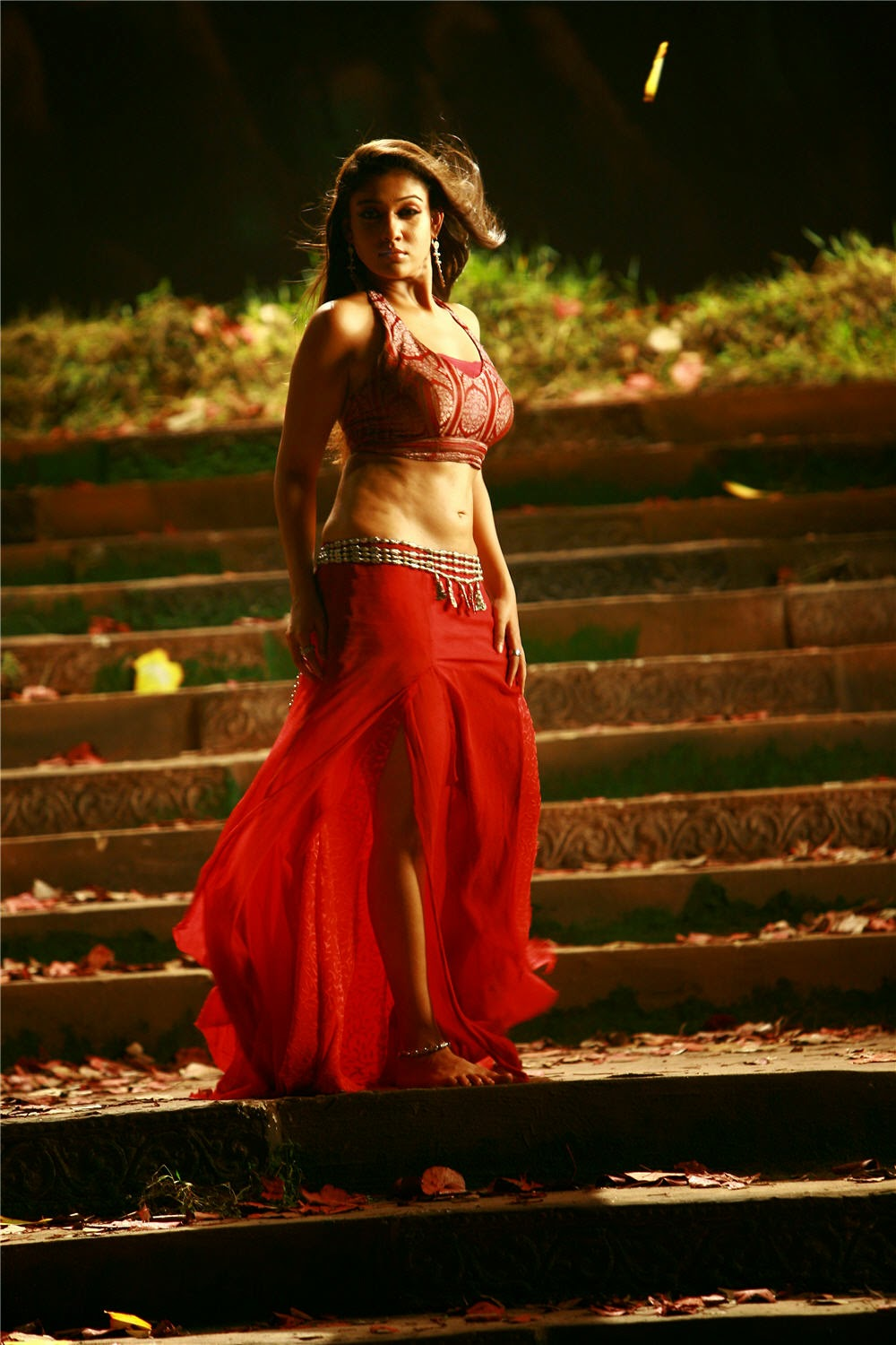 Nayanthara Hot Navel Show Hd Photos Large Images Wallpers Sexy Hot -9997