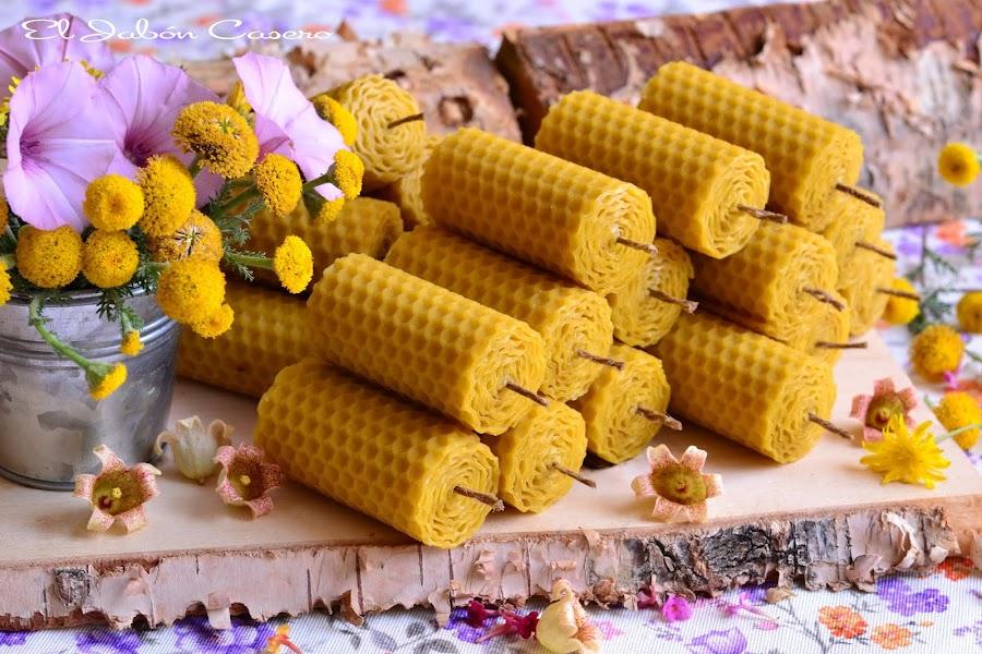 Preparando detalles para bodas velas de miel hechas a mano