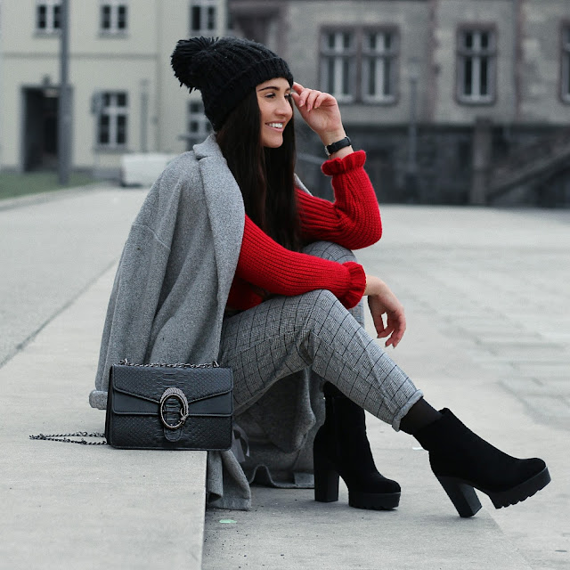 outfit, fashion, blogger_de, deutsche blogger, vanessa worth, shopping, xmas, daily, look, roter pullover, sassy classy, zara, buffalo, photography, mönchengladbach, köln, rheydt