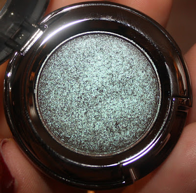 Urban Decay Eye Shadow in Lounge