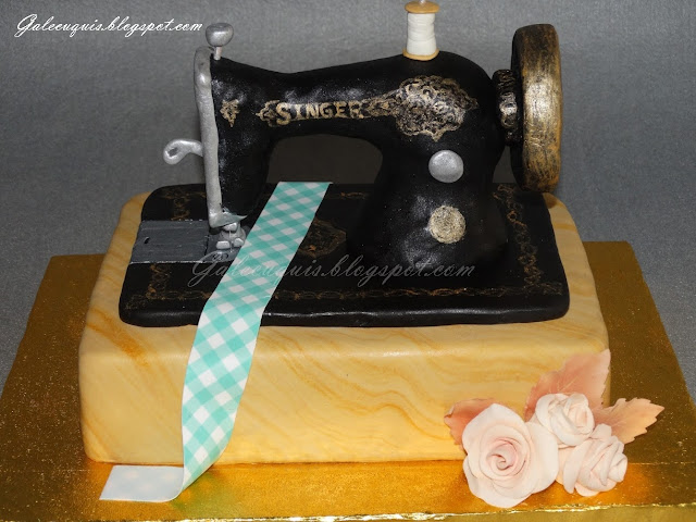 Tarta máquina de coser antigua