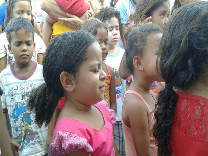 """Um dia inesquecível: A fundação amigo da criança,da Igreja Comunidade Viva,realizou uma grande festa para comemorar """"O dia da Criança"""",nos assentamentos Marajó e Maria da Paz."""