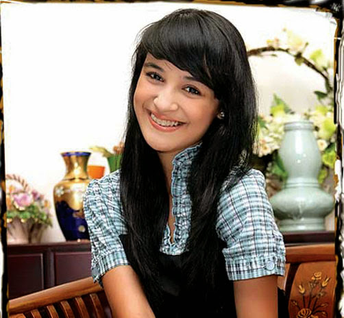 Shireen Sungkar photo