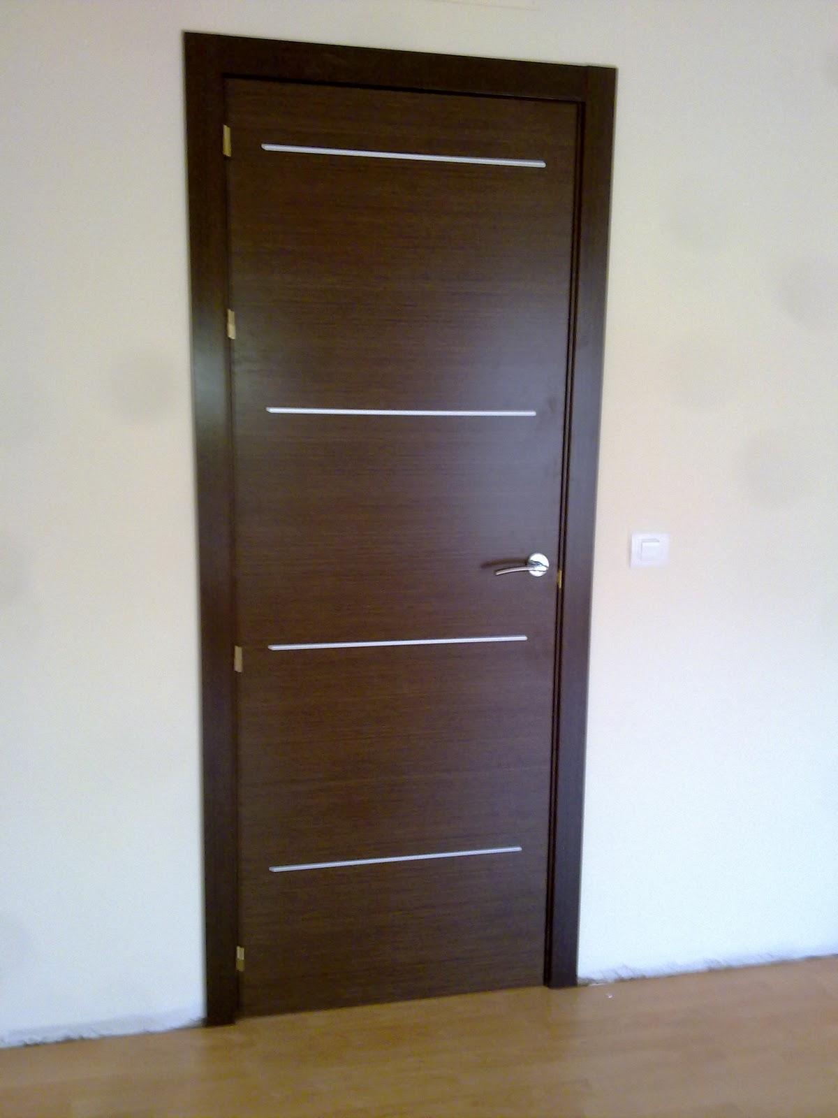 Solo maderas puertas interiores for Puertas en madera para interiores