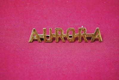Broche de oro de la Virgen de la Aurora de la Hermandad de la Resurrección de Sevilla