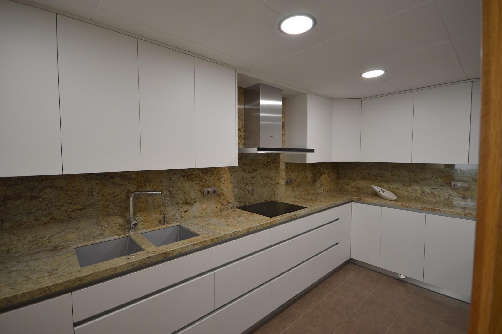 reuscuina muebles de cocina blanco mate sin tiradores