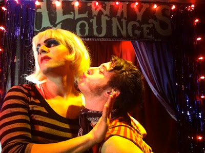 Hedwig and the Angry Inch, 3