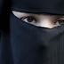 Dos neonazis patean en Barcelona a una mujer embarazada por llevar un niqab