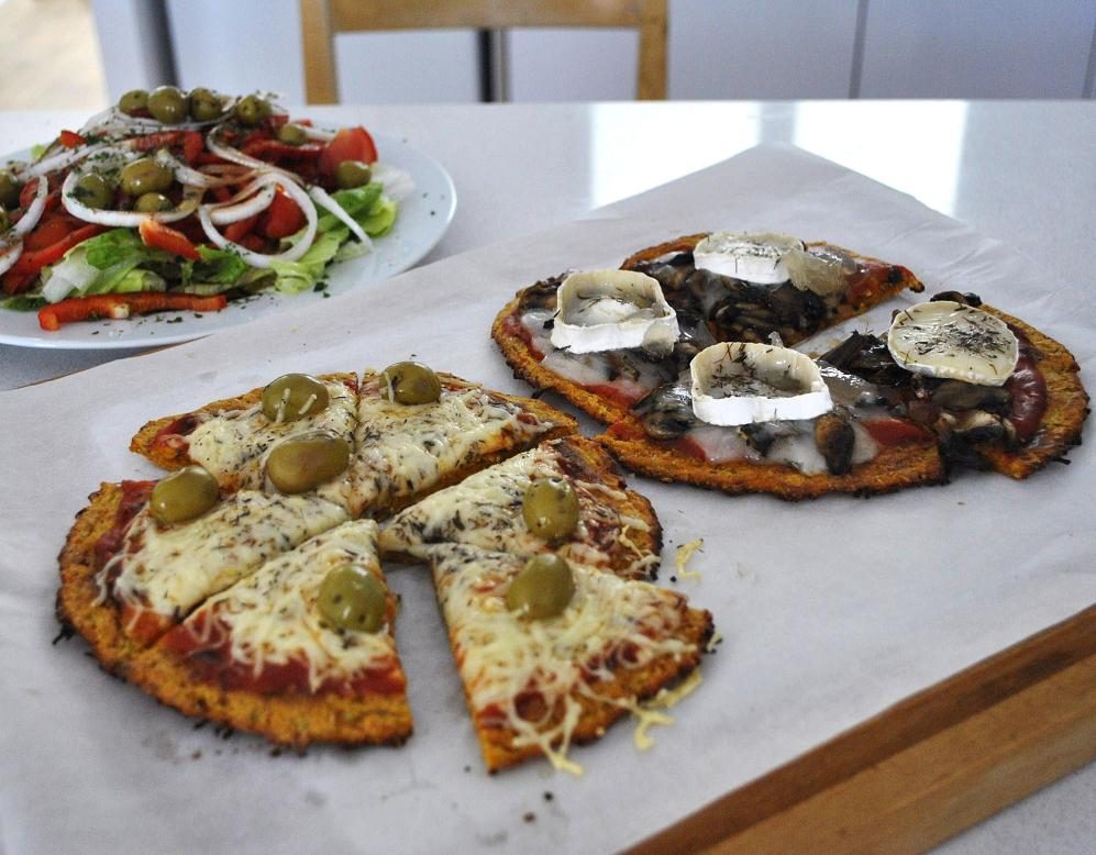 Exquisito Vegetariano Pizza Con Masa De Zanahoria Sin Harina