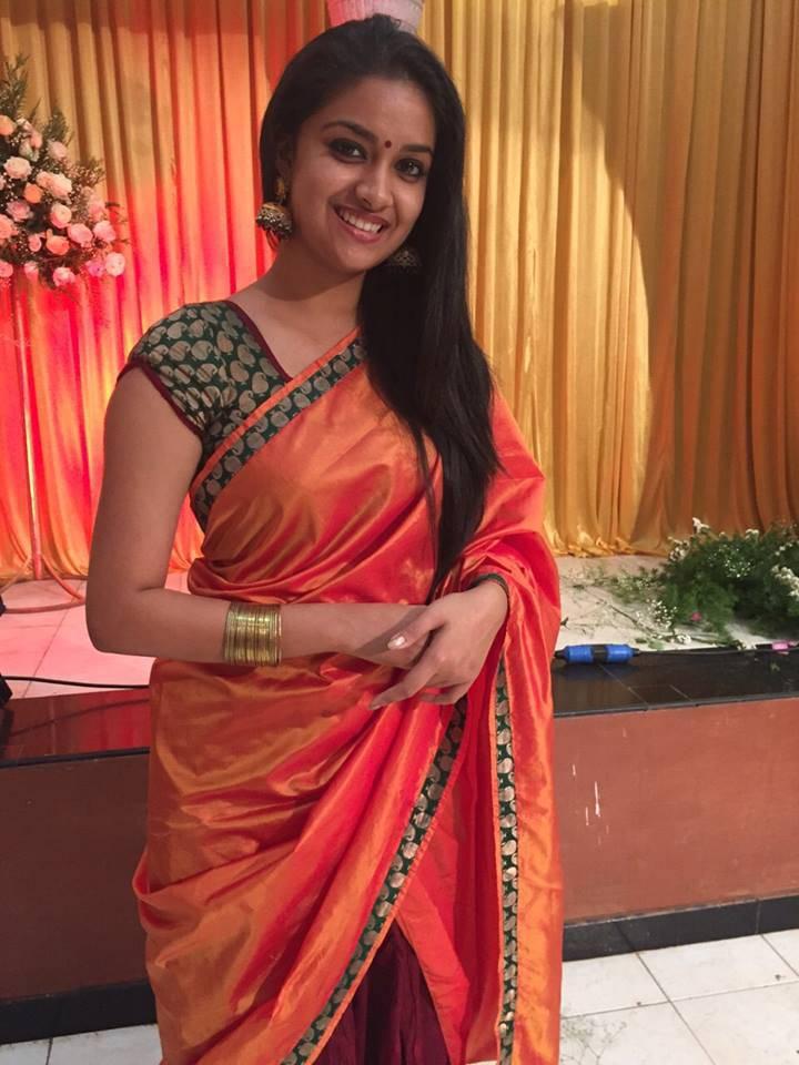 Actress Keerthi Suresh Real Life Photos - Hd Latest Tamil -5033