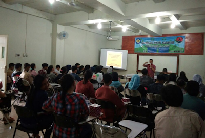 Seminar Bank Sampah Magenta STIE Gentiaras, From Trash To Cash