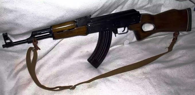 Arrestan un dominicano en Paterson con fusil AK MAK-90 de alto poder que había sido robado