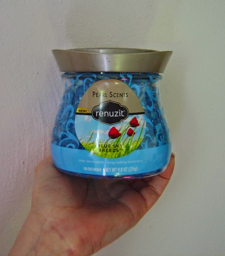 Renuzit Pearl Scents Blue Sky Breeze.jpeg